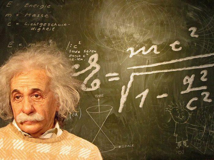 Albert-Einstein-800x600