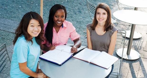 threegirlsstudying