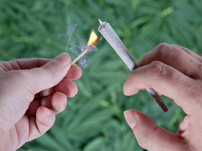 using_marijuana.jpg